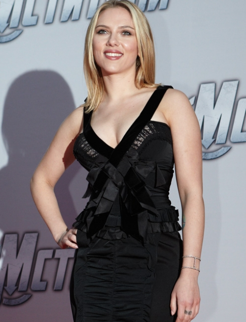 Scarlett Johansson Height Weight Body Statistics - Healthy ...