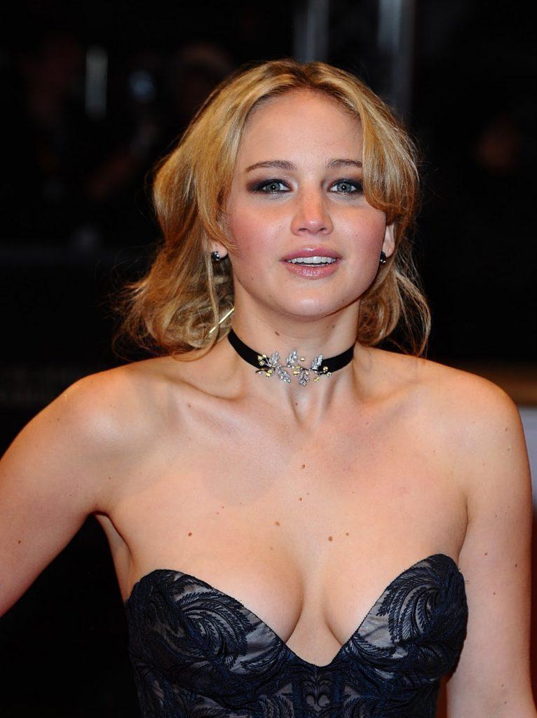 Maxim World's Top 10 Sexiest Hot females of 2012 - Healthy ...