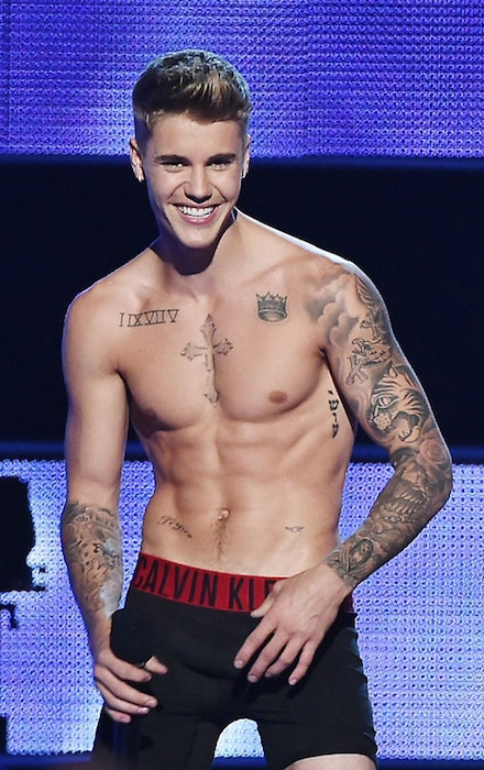 Justin Bieber shirtless