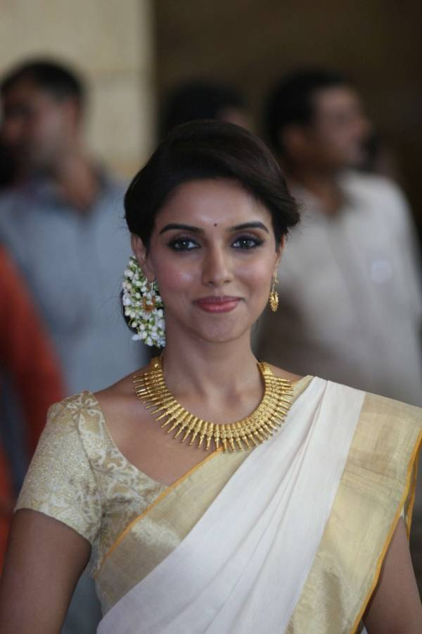 Asin in South Indian Dress