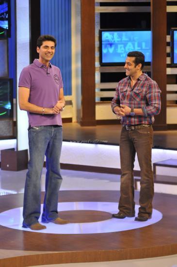 Salman-Kahn-and-Dr.-Ahluwalia