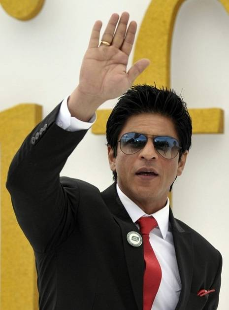 Shahrukh-Khan-height-weight-body-statistics