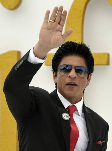 Shahrukh-Khan-height-weight-body-statistics