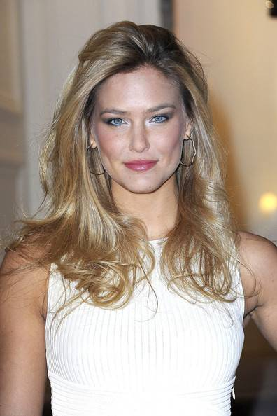 Bar Refaeli Face Closeup