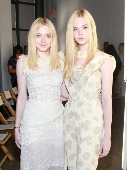 Dakota Fanning and Elle Fanning