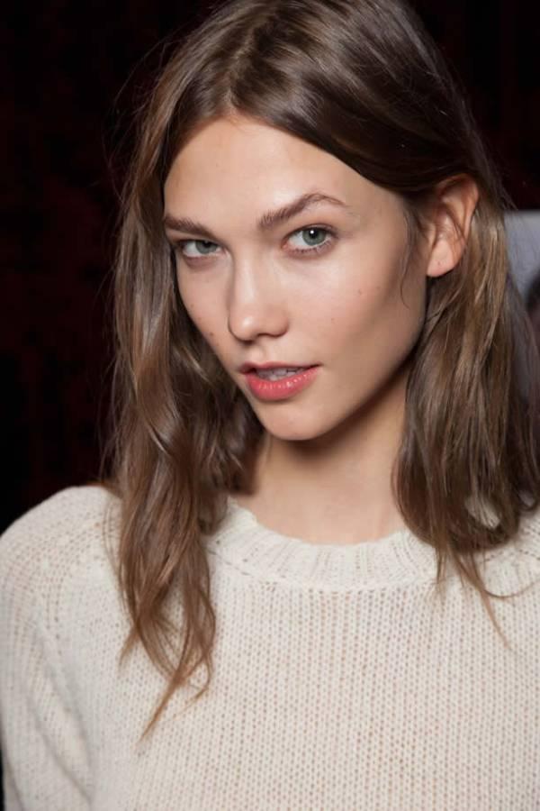 Karlie Kloss face closeup