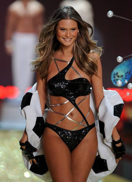 Behati Prinsloo Height Weight Body Statistics Healthy Celeb