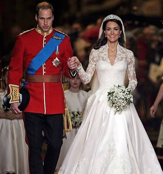 Kate Middleton and Prince William wedding scene
