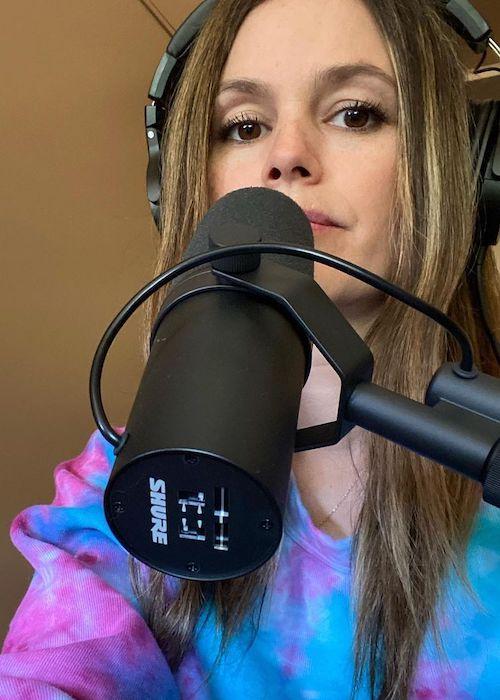 Rachel Bilson presenting her podcast in April 2021