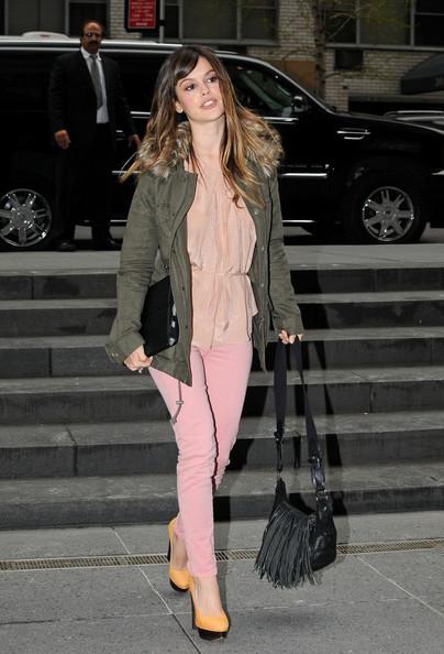 Rachel Bilson wearing a pink dress