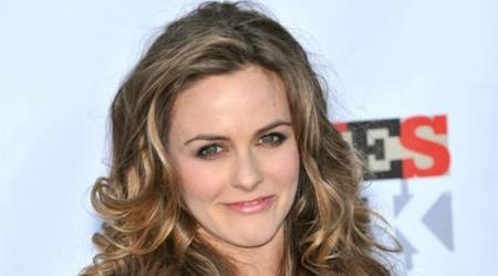 Alicia Silverstone Height, Weight, Age, Body Statistics