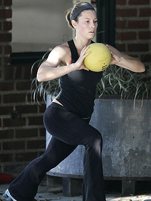 Jessica Biel Medicine Ball Workout