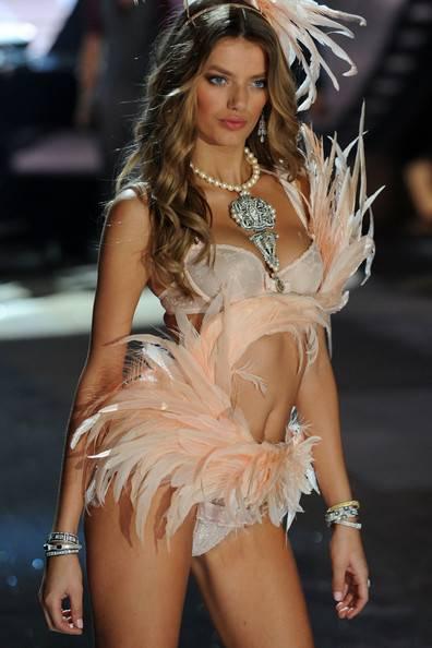 Bregje Heinen Victoria Secret Fashion Show 2012