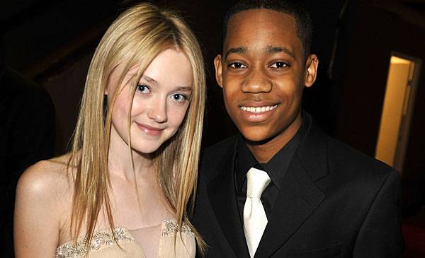 Dakota Fanning and Tyler James Williams