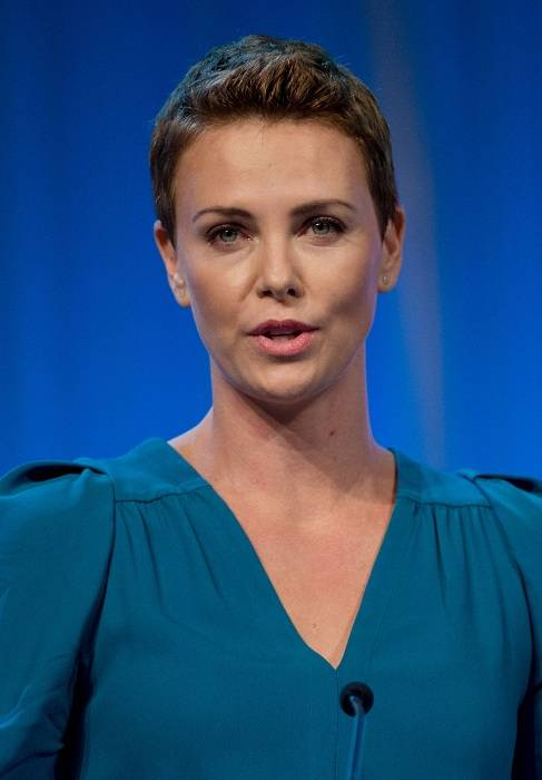 Charlize Theron Height Weight Body Statistics - Healthy Celeb Charlize Theron Weight