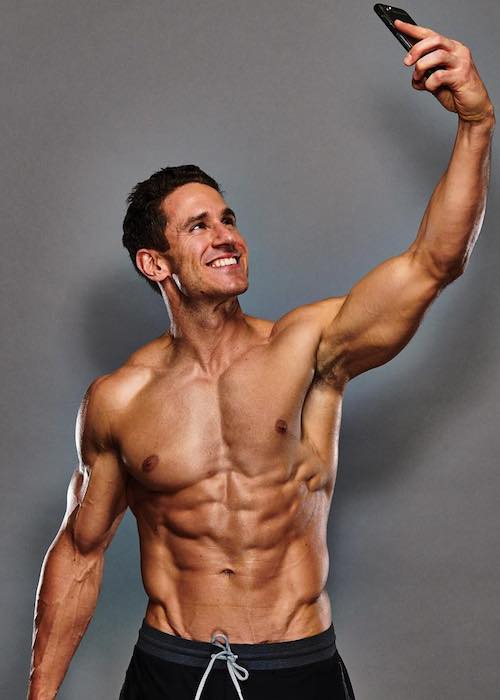 Don Saladino shirtless body during a photoshoot in 2018