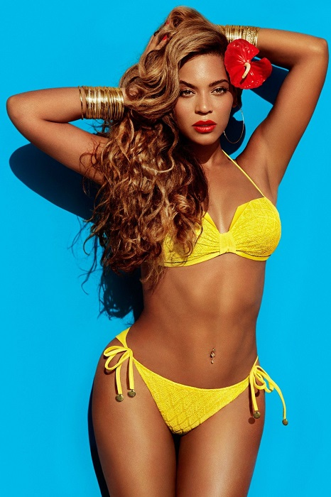 Beyonce Knowles flashes bikini H & M Magazine 2013