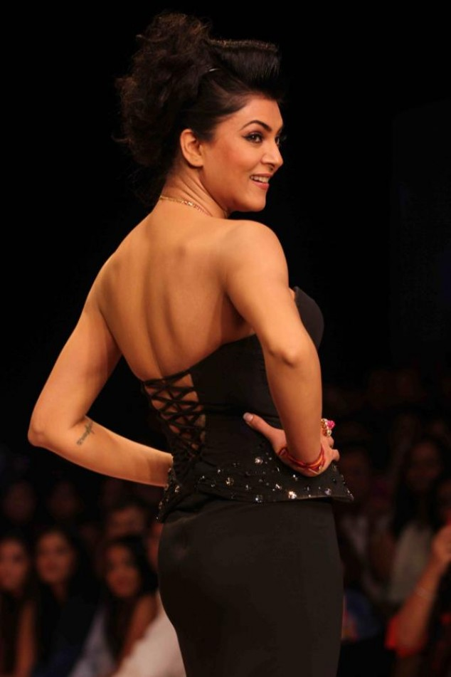 Sushmita Sen 2012 Fashion Show
