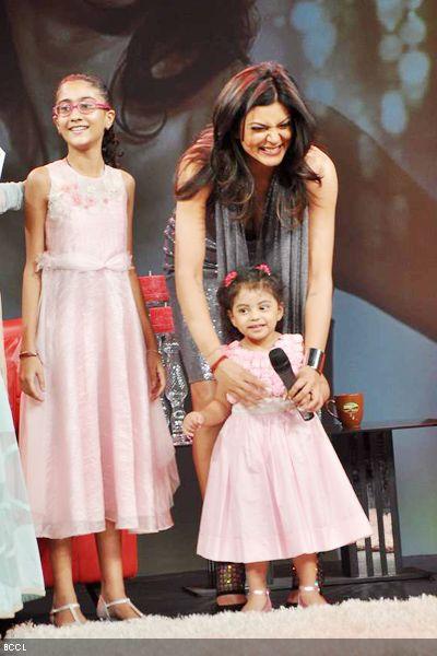 Sushmita Sen with daughters Renee and Alisah