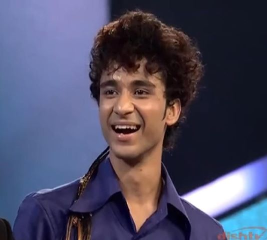 Raghav Juyal Height Weight Body Statistics