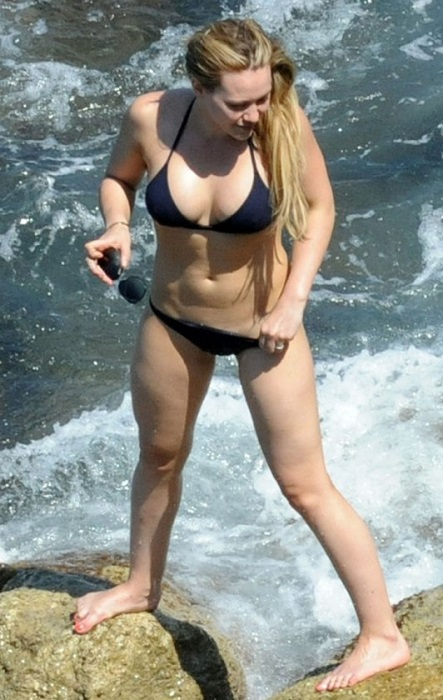 hilary duff in bikini in italy