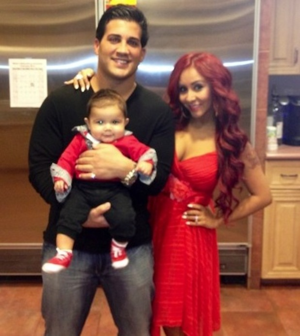 Snooki with Jionni LaValle and baby