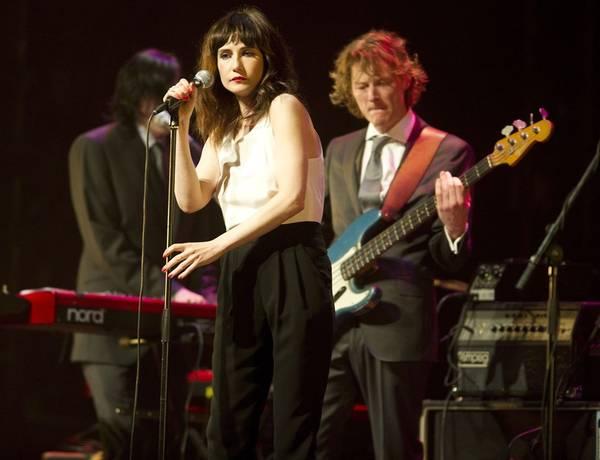 Carice van Houten singer