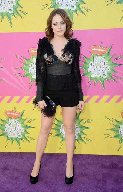 Elizabeth Gillies hot legs