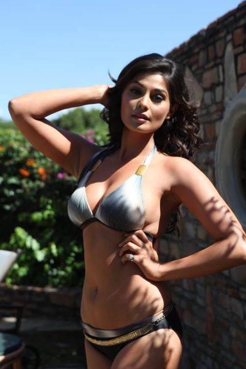 Puja Gupta hot model