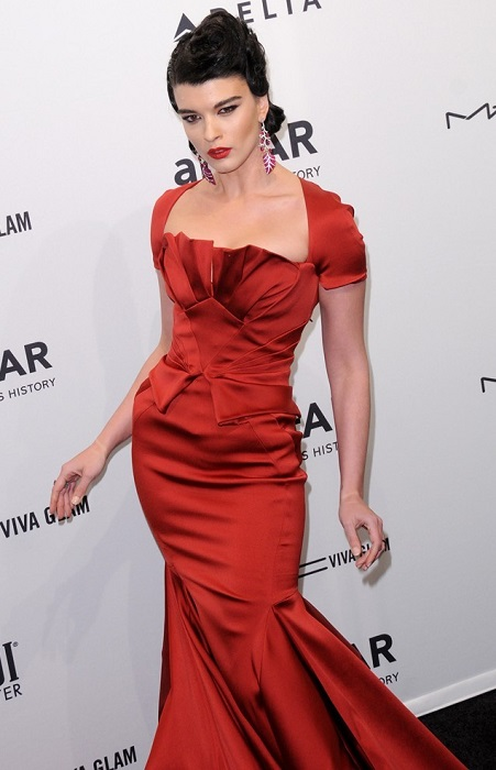 crystal renn amfar gala 2013 red dress