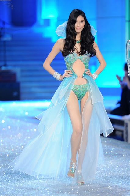 sui he victoria's secret fashion show 2011