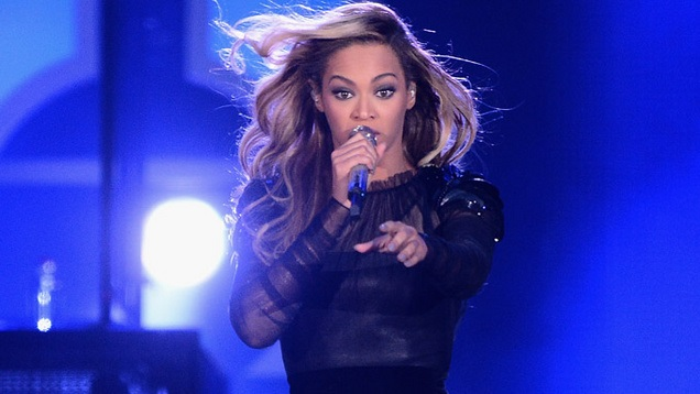 Beyonce Knowles at singing show
