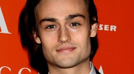 Douglas Booth Height, Weight, Age, Body Statistics