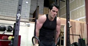Henry-Cavill-Exercise-Man-of-Steel-306x160