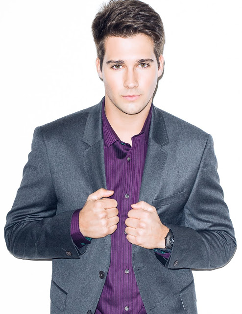The 26-year old son of father Mike Maslow and mother Cathy Burge Maslow, 185 cm tall James Maslow in 2017 photo