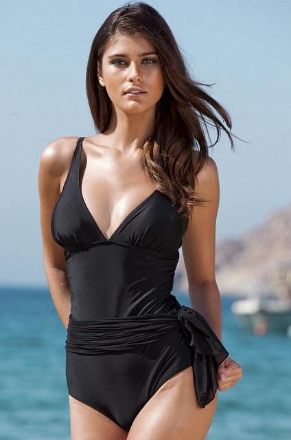 Katarina Ivanovska in black bikini