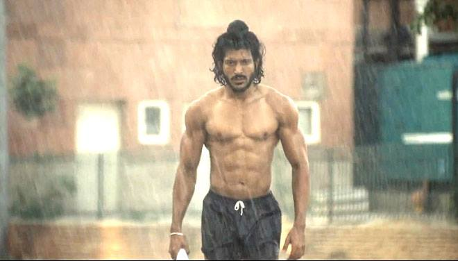 farhan akhtar body measurements