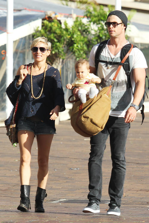 Chris Hemsworth with Elsa Pataky and family