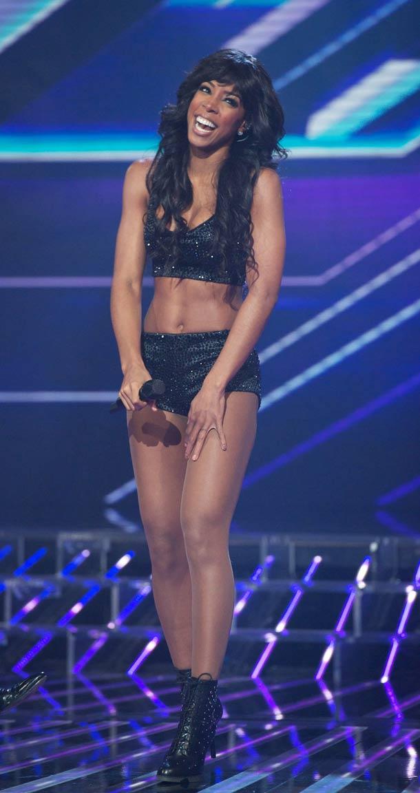 Kelly Rowland hot legs