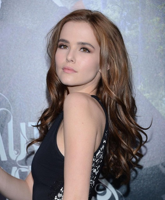Zoey Deutch age