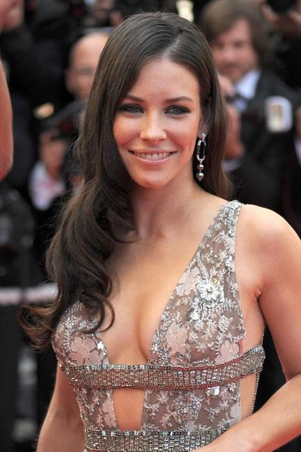 Evangeline Lilly bra size