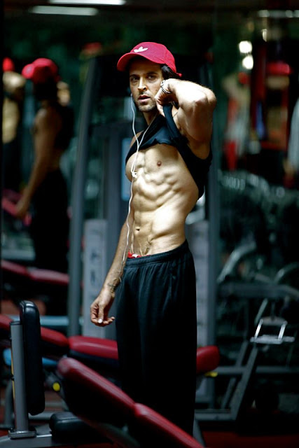Hrithik Roshan body for Krrish 3. Read his workout routine and diet plan for Krrish 3 at HealthyCeleb.com