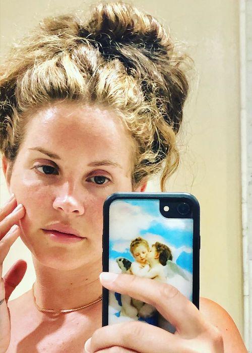 Lana Del Rey in a selfie showing her hair in a selfie in May 2020