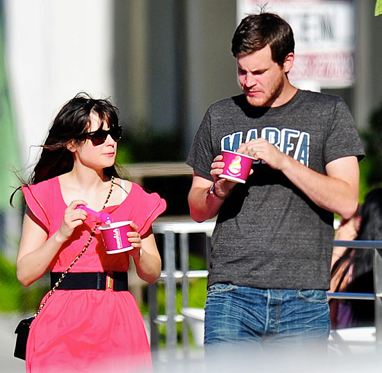 Zooey Deschanel with boyfriend Jamie Linden
