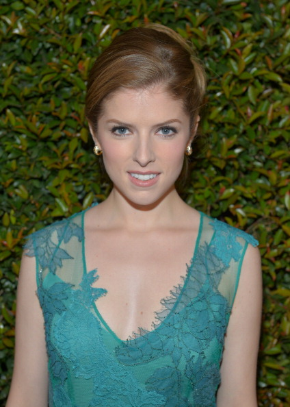 Anna Kendrick height weight body statistics