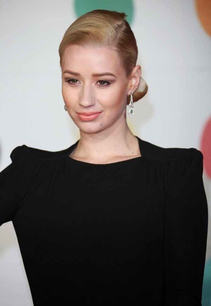 The 28-year old daughter of father Brendan James Kelly and mother Tanya Kelly, 178 cm tall Iggy Azalea in 2018 photo