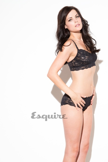 Jaimie Alexander hot and sexy look.