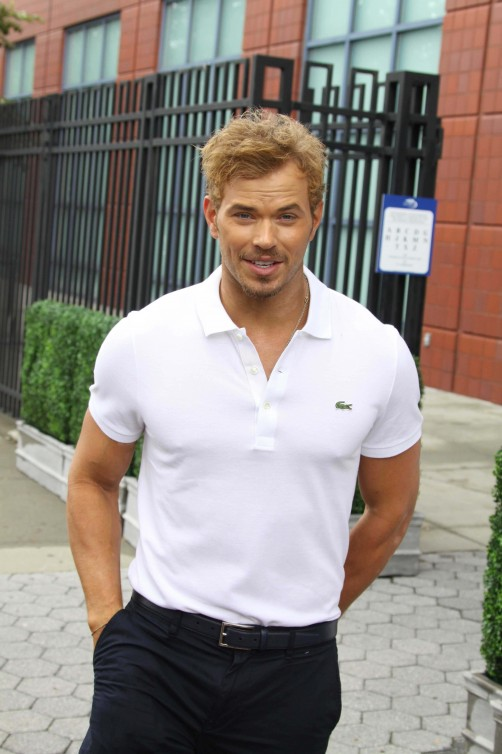 Kellan Lutz height