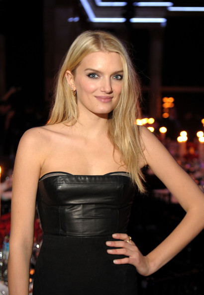 Lily Donaldson Height Weight Body Statistics - Healthy Celeb