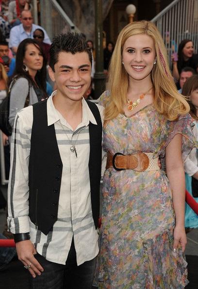 Caroline Sunshine and her boyfriend Adam Irigoyen